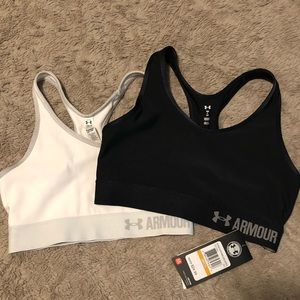 Set of two Under Armour sports bras